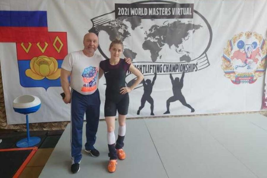 Чемпионат мира 2021 по тяжелой атлетике: Юлия Яковлева.